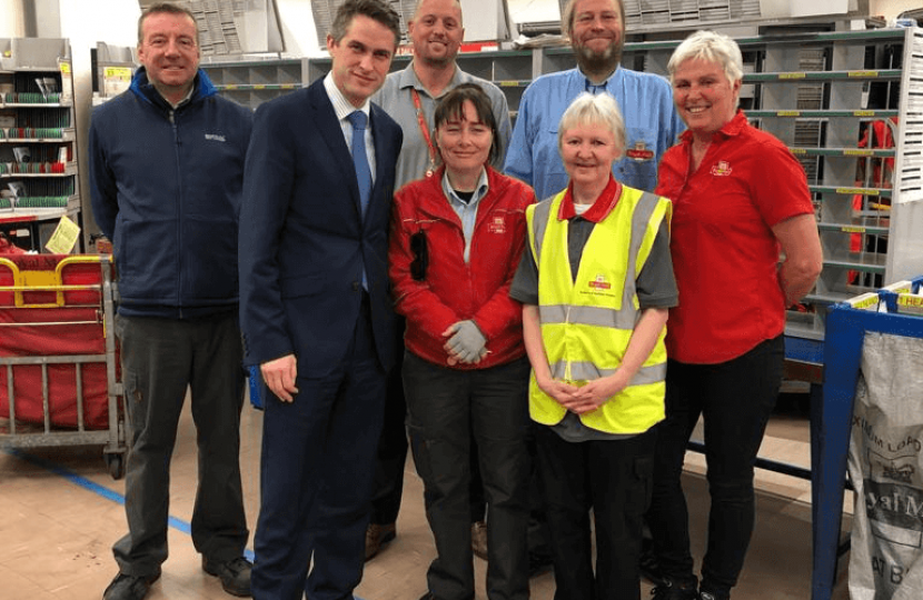 Gavin Williamson visits Wombourne delivery centre