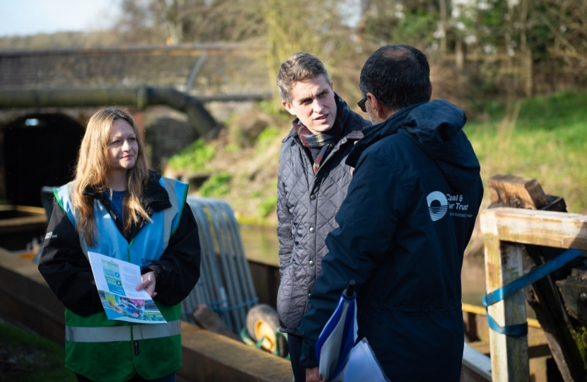 Gavin discussing plans with Canal and River Trust